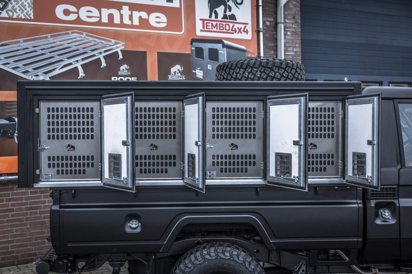 Dog Transport Land Cruiser